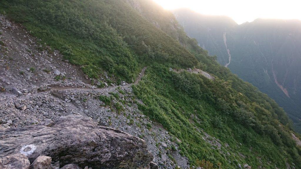 槍ヶ岳下山のトラバース