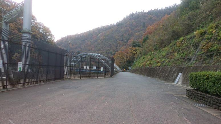 宮ケ瀬ダムから半原への道