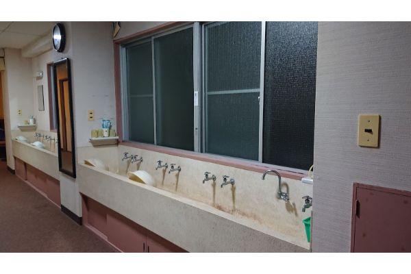 大山館の洗面台