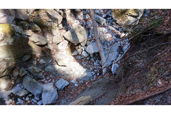 畦ヶ丸壊れた登山道