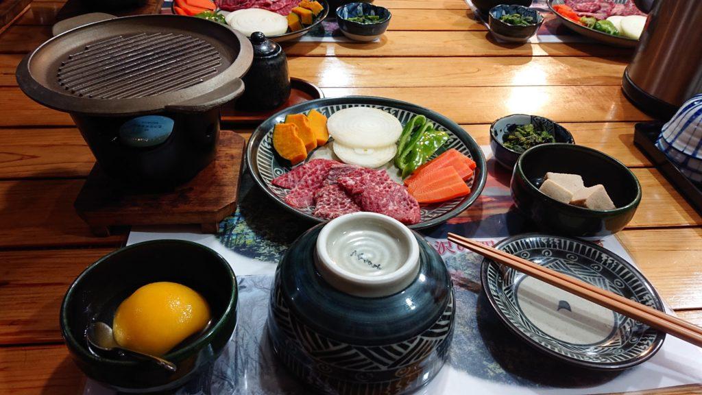 みやま山荘の夕食(焼肉)