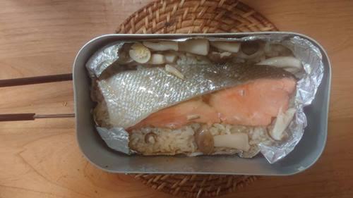メスティンバター鮭焼き丼炊き炊きあがり
