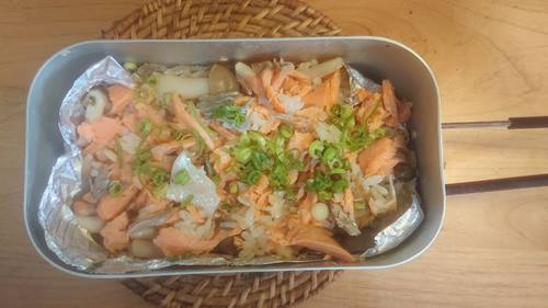 メスティンバター鮭焼き丼炊き完成