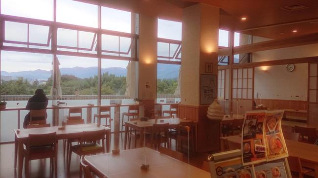 富士見の湯の食堂