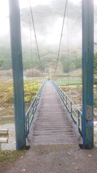 登山口への橋
