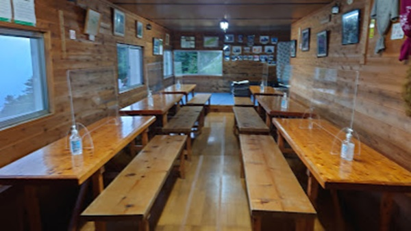 木曾殿小屋の食堂